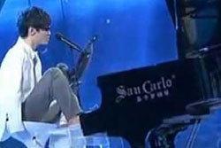 นักเปียโนจีนแขนด้วน คว้าที่ 1 ไชน่าส์ ก๊อต ทาเลนต์