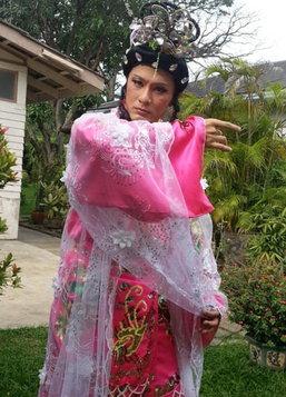 วุธ แปลงโฉมเป็น สาวจีน-อินเดีย