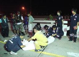 หนุ่มเคราะห์ร้ายข้ามถนนนนทบุรีถูกรถชนดับ