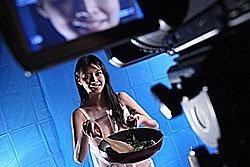 สยิว! ทีวีฮ่องกงทำรายการเชพสาวเปลือยเข้าครัว