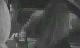 พ่อสุดช็อค! ตั้งกล้องจับผี เจอภาพบาดใจแฟนสาวเล่นจ้ำจี้กับลูกชายวัย 16