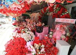 ร้านดอกไม้โคราชคึกคักแห่สั่งกุหลาบเพิ่ม3เท่า