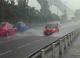 ไทยยังมีฝนตกต่อเนื่องหนักบางแห่งกทม.70%
