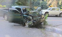 สลด! รถพ่วง 18 ล้อ เสียหลัก ท้ายสะบัดฟาดกระบะ เเม่ลูกดับ พ่อสาหัส