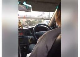 โชเฟอร์แท็กซี่กร่าง!ขู่ทำร้ายผู้โดยสารสาว