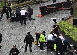 ก่อการร้ายอังกฤษหนุ่มขับรถพุ่งชนดับ3เจ็บ20แทงตร.ตาย1