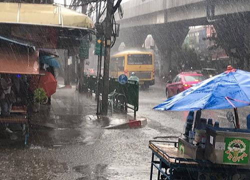 กทม.ฝนกระจายฝั่งพระนครสูงสุดดินแดง