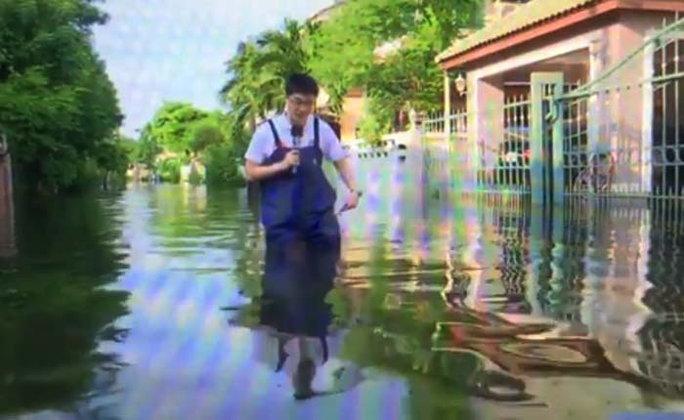 ชาวบ้านรามอินทรา 34 อ่วม น้ำท่วมขังรอการระบายข้ามวัน