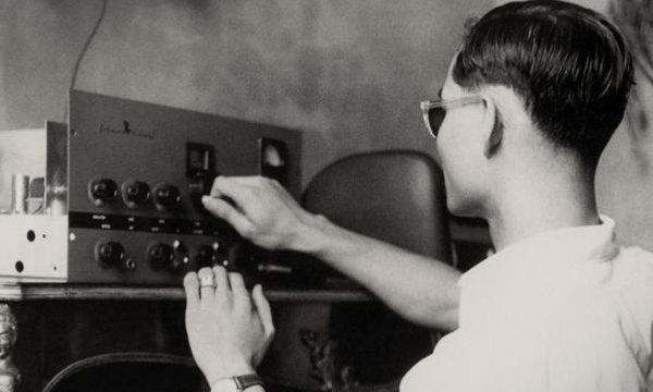 พระอัจฉริยภาพ : ด้านวิทยุสื่อสาร