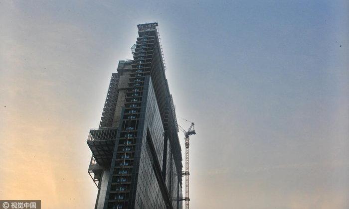 ตึกบางราวกระดาษแผ่นใหญ่ในจีน ชาวเน็ตแซวกลัวลมจะพัดล้ม