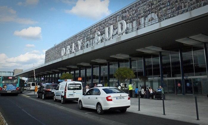 คนร้ายยิงในสนามบินฝรั่งเศส เร่งอพยพผู้โดยสาร