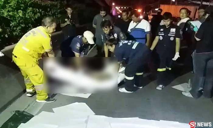 หนุ่มวิ่งหนีตายเจออริไล่ฟัน สุดท้ายถูกรถกระบะชนเสียชีวิต