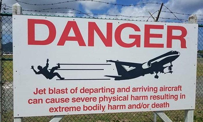นทท.ดับน่าสลด หลังท้าตายชายหาดเครื่องบินเฉียวหัว