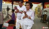 เจ๊เบียบ ระเบียบรัตน์ โผล่นครพนม ทำบุญวันเกิดอายุ 64