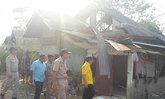 พ่อเมืองอุบลฯเข้าช่วยชาวบ้านพายุพัดบ้าน