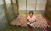 พบเด็กหญิงวัย 12 ปีสู้ชีวิต พ่อแม่ทิ้งอยู่บ้านเพียงลำพังร่วม 10 ปี ต้องเลี้ยงตัวเอง