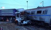 รถไฟสุพรรณบุรี-กรุงเทพฯชนรถพ่วงที่กำแพงแสนเจ็บ3