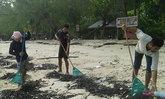 คลื่นแรงซัดขยะทะเลเต็มหาดเกาะปอดะจ.กระบี่
