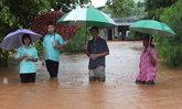 จนท.เร่งช่วยปชช.อ.พิมาย-ชุมพวงหลังน้ำท่วม