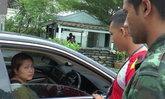 ระนองจับแม่ค้าหัวใสเช่ารถหรูขนใบกระท่อม