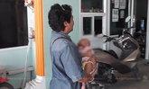 พ่อแม่ไปเล่นพนันฝั่งกัมพูชา ทิ้งลูก 3 เดือนไว้ในโรงแรม