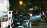 กระบะเสียหลักชนรถบรรทุกในปั๊มLPGเจ็บ2