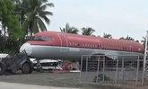ชาวบ้านตื่นเต้น ซากเครื่องบินหลายลำโผล่กลางทุ่งนา ไม่รู้ของใคร