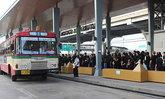 ปทุมธานีปชช.กว่าพันคนรอขึ้นรถฟรีไปสนามหลวง
