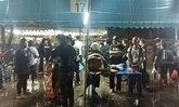 สนามหลวงฝนตกกลางดึก ปชช.หลบไปพักในเต็นท์