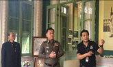 นำสื่อชมภาพถ่ายเฉลิมพระเกียรติที่พิพิธภัณฑ์ตร.