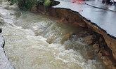 นราฯ3ลุ่มน้ำลดเฝ้าระวังฝนใหม่ขณะทบ.โก-ลกท่วม1.5ม.