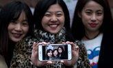 คนรุ่นใหม่คุยผ่านโซเชียลมีเดียมากกว่าเจอตัวจริง  จึงไม่แปลกที่แอพแต่งภาพ Meitu ของจีนได้รับความนิยม