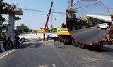 รถบรรทุกเกี่ยวสะพานลอยถล่ม เสียหาย 10 ล้านบาท  ทางหลวงวอนคนขับรถเพิ่มความระมัดระวัง