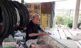 ลุงหนองคายทำลอบดักปลาจากไม้ไผ่ขายรายได้งาม