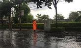 ฝนตกหนักถ.พัฒนาการ น้ำท่วมขังสูง20ซม.