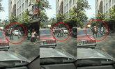 ฉุนปาดหน้า! แท็กซี่ปะทะเดือดวินจยย. ซัดกันนัวกลางถนนย่านตลาดคลองถม