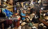 กทม.ทำความสะอาดภายในบ้านลุงเลี้ยงนกพิราบครั้งแรก