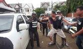 จับแล้ว! 2 ผัวเมีย ฆาตกรฆ่าเกย์ชาวเมียนมา หวิดโดนญาติรุมประชาทัณฑ์
