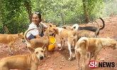 ชีวิตนี้เพื่อเจ้าตูบ! ยายสู้ทำงานล้างส้วมวัด เพื่อเลี้ยงสุนัข 43 ตัว
