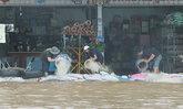 """อีสานยังชุ่มฉ่ำ ฤทธิ์พายุ """"เซินกา"""" หลายพื้นที่ยังเกิดน้ำท่วม"""