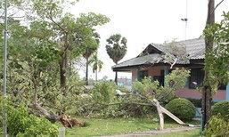 พายุพัดถล่ม3อ.สุรินทร์บ้านพัง100หลัง