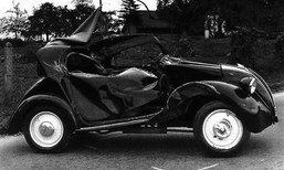เปิดภาพพระราชรถ ร.9 ครั้งประสบอุบัติเหตุ สูญเสียพระเนตรขวา