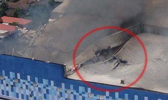 เปิดภาพการยุบตัวของโรงหนังเมเจอร์ปิ่นเกล้า หลังเกิดเพลิงไหม้