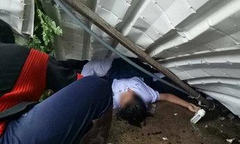 ระทึก พายุกระหน่ำพัดซุ้มถล่ม นักเรียนหลบฝนเจ็บนับ 10 ราย