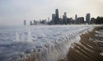 อเมริกาขาวโพลน หนาวสุดขั้ว!! คล้ายหนังวันสิ้นโลก