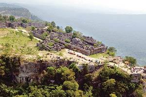 ปิดอุทยานพระวิหารต่อ ประเวศ เตือนระวังสงคราม ไทย - เขมร
