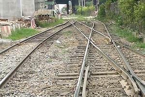 รฟท.ปิดซ่อมถนนทางรถไฟแยกยมราช
