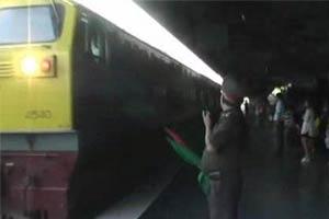 รถไฟไม่วิ่งวุ่นนร.นับพันต้องหยุดเรียน