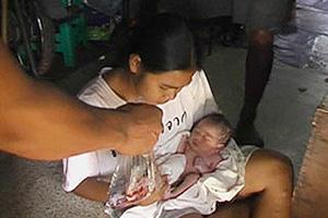 พบทารกแรกเกิดซุกป่ากล้วยกลางเมืองสุราษฯ