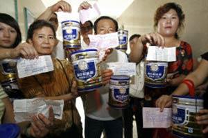 ผวา! พ่อแม่ชาวจีนหวั่นนมผงทำลูกอกโต